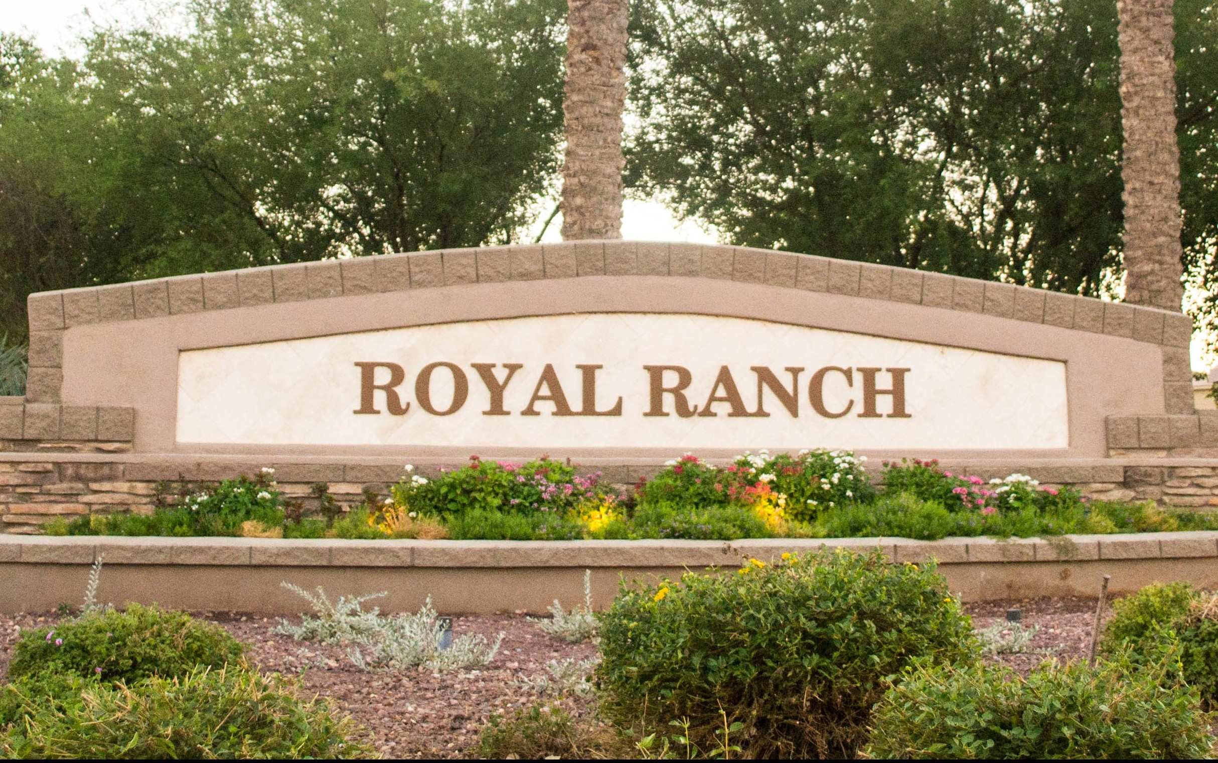 <!DOCTYPE html> <html> <head> <style> p {text-align:center;} </style> </head> <body>  <p>Royal Ranch